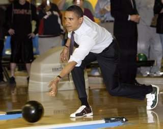 barack-bowling.jpg